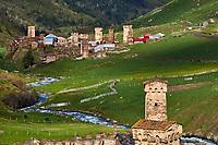 Georgie, Svanetie, la Haute Svanetie, Ushguli, village le plus haut d'Europe avec les maisons tours appellées Koki // Georgia, Svaneti, Ushguli, the highest village of Europe with their towers called Koki