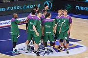 DESCRIZIONE : Eurolega Euroleague 2015/16 Gir.D Dinamo Banco di Sardegna Sassari - Unicaja Malaga<br /> GIOCATORE : Unicaja Malaga Team<br /> CATEGORIA : Fair Play Before Pregame<br /> SQUADRA : Unicaja Malaga<br /> EVENTO : Eurolega Euroleague 2015/2016<br /> GARA : Dinamo Banco di Sardegna Sassari - Unicaja Malaga<br /> DATA : 10/12/2015<br /> SPORT : Pallacanestro <br /> AUTORE : Agenzia Ciamillo-Castoria/L.Canu