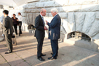 """03 AUG 2009, BERLIN/GERMANY:<br /> Thomas Steg (L), Medienberater von Steinmeier, und Frank-Walter Steinmeier (R), SPD, Bundesaussenminister und Kanzlerkandidat, im Gespraech, nach einer Veranstaltung der Karl-Schiller-Stiftung zum Thema """"Die Arbeit von morgen - Politik fuer das naechste Jahrzehnt"""", Baerensaal, Altes Stadthaus<br /> IMAGE: 20090803-02-130<br /> KEYWORDS: Gespräch"""