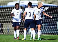 Fotball , 17. januar 2014 , privatkamp , damer , England - Norge<br /> England - Norway  , Woman<br /> Eniola Aluko , England jubel her med Demi Stokes (3) og Lianne Sanderson (9) , England