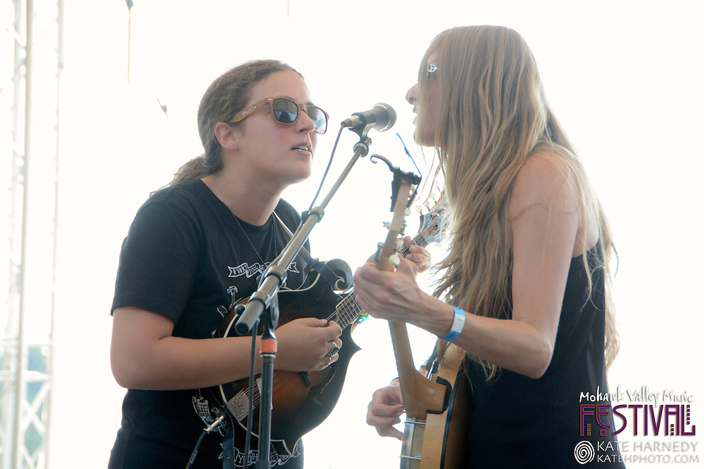 Shook Twins at the Mohawk Valley Music Festival in Marcola Oregon