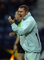 Photo: Paul Greenwood.<br />Preston North End v Luton Town. Coca Cola Championship. 04/11/2006. PNE manager Paul Simpson urges his players on.
