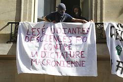 April 18, 2018 - Paris, France - Eleve faisant blocage a Sciences Po (Credit Image: © Panoramic via ZUMA Press)