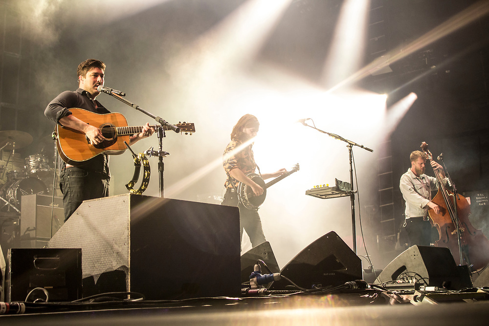Mumford & Sons perform at the Hangout Festival in Gulf Shores, AL on May 21, 2017.