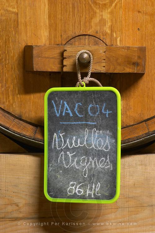 A wooden barrel with a chalk board Vieille Vigne Vacqueyras 2004 Domaine la Monardiere Monardière, Vacqueyras, Vaucluse, Provence, France, Europe