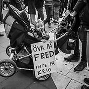 Demonstration på Sergels torg i Stockholm mot NATO