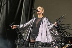 May 25, 2018 - Napa, California, U.S - SARAH BARTHEL of Phantogram during BottleRock Music Festival at Napa Valley Expo in Napa, California (Credit Image: © Daniel DeSlover via ZUMA Wire)
