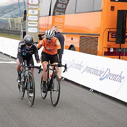 10-03-2021: Wielrennen: Healthy Ageing Tour: Assen<br />Lorena Wiebes kwam gekwetst uit de sprint