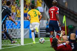 Thiago Silva comemora seu gol na partida entre Brasil x Colombia, válida pelas quartas de final da Copa do Mundo 2014, no Estádio Castelão, em Fortaleza-CE. FOTO: Jefferson Bernardes/ Agência Preview