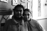 Mariana Darabana (à droite) à 13 ans en 1997 avec son amie Nafisa à l'orphelinat de Popricani. Mariana a été abandonnée petite avec ses frères et soeurs, Simona, Iulian, Corina à l'orphelinat de Popricani où ils ont tous grandi. Leurs parents n'avaient plus les moyens de s'occuper d'eux. <br /> <br /> Mariana Darabana (right) at 13 at Popricani's orphanage in 1997 with her friend Nafisa. Mariana was abandoned with her brother and sisters Iulian, Simona and Corina when they were all small children. Their parents were too poor to raise them.