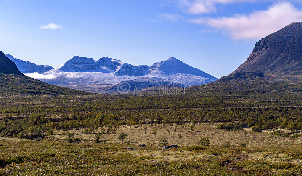 Looking towards Rondane from Gimsdalen, a branching valley to the bigger Folldal (Innlandet, Norway).