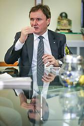 O superintendente Estadual do BB no Rio Grande do Sul, Edson Bündchen. Ele tomou posse no Banco do Brasil em 1982. Mestre em Administração, também possui MBA Executivo em Gestão Avançada de Negócios, MBA em Agronegócios, MBA Formação Geral para Altos Executivos do BB e Bacharelado em Administração de Empresas. FOTO: Jefferson Bernardes/ Agência Preview