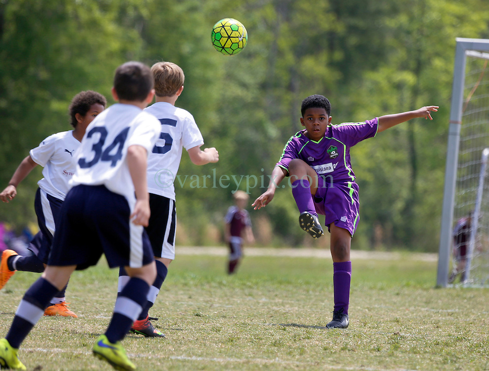 09 April 2016. Hammond, Louisiana.<br /> South Tangi Youth Soccer Association (STYSA), Chappapeela Sports Complex, 30th Annual Strawberry Cup,  <br /> New Orleans Jesters Youth Academy U10 Green3 take on Blackhawks 06 White.<br /> Jesters win 3-1. <br /> Photo©; Charlie Varley/varleypix.com