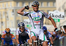 Alessandro Petacchi (ITA) of LPR team winner at finish line of 2nd stage of 92nd Giro d'Italia in Trieste, on May 10, 2009, in Trieste, Italia.  (Photo by Vid Ponikvar / Sportida)