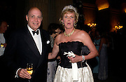 Reinaldo Herrera and Serena Balfour, Ball at Blenheim Palace in aid of the Red Cross, Woodstock, 26 June 2004. SUPPLIED FOR ONE-TIME USE ONLY-DO NOT ARCHIVE. © Copyright Photograph by Dafydd Jones 66 Stockwell Park Rd. London SW9 0DA Tel 020 7733 0108 www.dafjones.com