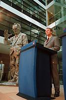 13 SEP 1999, BERLIN/GERMANY:<br /> Franz Müntefering, SPD Bundesgeschäftsführer, während einer Pressekonferenz zur SPD Präsidiumssitzung, Willi-Brand-Haus<br /> IMAGE: 19990913-03/01-06<br /> KEYWORDS: Franz Muentefering