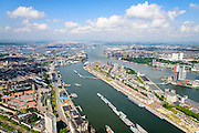 Nederland, Zuid-Holland, Rotterdam, 10-06-2015; overzicht van de Maashaven met binnenvaartschepen, rechts Katendrecht (bijgenaamd De Kaap) met daar achter  de Rijnhaven.<br /> Meuse harbour with barges and Katendrecht peninsula, former port quarter.<br /> luchtfoto (toeslag op standard tarieven);<br /> aerial photo (additional fee required);<br /> copyright foto/photo Siebe Swart