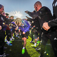 08.01.2020; Marbella; Fussball Super League - Trainingslager FC Basel; <br /> Fabian Frei (Basel) nimmt im Spielertunnel die Geburtstagsgratulationen entgegen <br /> (Andy Mueller/freshfocus)