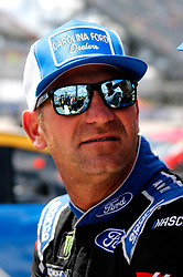 September 1, 2018 - Darlington, SC, U.S. - DARLINGTON, SC - SEPTEMBER 01: Clint Bowyer, Stewart-Haas Racing, Ford Fusion Carolina Ford Dealers (14)  during qualifying for the 69th annual Bojangles Southern 500 on Saturday September 1, 2018 at Darlington Raceway in Darlington South Carolina (Photo by Jeff Robinson/Icon Sportswire) (Credit Image: © Jeff Robinson/Icon SMI via ZUMA Press)
