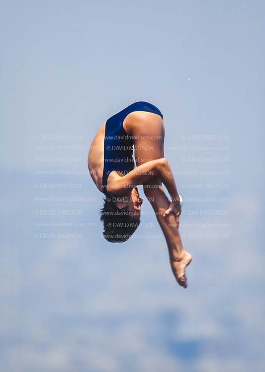 BARCELONA - JULY 27:  Ellen Owen of the United States competes in the Women's 10 meter Diving final at the Piscina Municipal de Montjuic on July 27, 1992 during the Summer Olympics in Barcelona, Spain.  (Photo by David Madison/Getty Images)