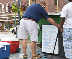 August 21, 2017 - Laurens, South Carolina, USA - Visitors and town officials are preparing for the eclipse viewing in downtown Laurens, S.C. on Monday, August 21, 2017. (Credit Image: © Fabian Radulescu via ZUMA Wire)