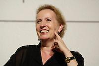 """22 AUG 2005, BERLIN/GERMANY:<br /> Christina Weiss, SPD, Staatsministerin fuer Kultur und Medien, waehrend einer Diskussion zum Thema """"7 Jahre rot-gruene Kulturpolitik"""", Palais der Kulturbrauerei<br /> IMAGE: 20050822-03-075"""