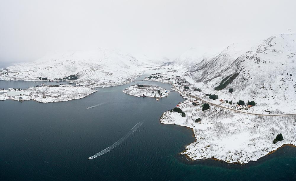 Vestpollen er en fjordarm av Austnesfjorden på Austvågøya i Vågan kommune i Lofoten som strekker seg i underkant av 3 kilometer i vestlig retning fra innløpet ved Ørnvika i nord og på Sildpollneset i sør. E10 krysser over en fylling som deler fjorden.