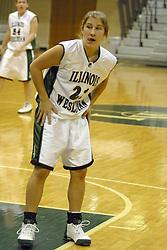 18 December 2004..Titan Hannah Meharry..Illinois Wesleyan University Titans V Webster University Gorlocks.  NCAA Division III Women's Basketball.  Shirk Center, Illinois Wesleyan University, Bloomington IL