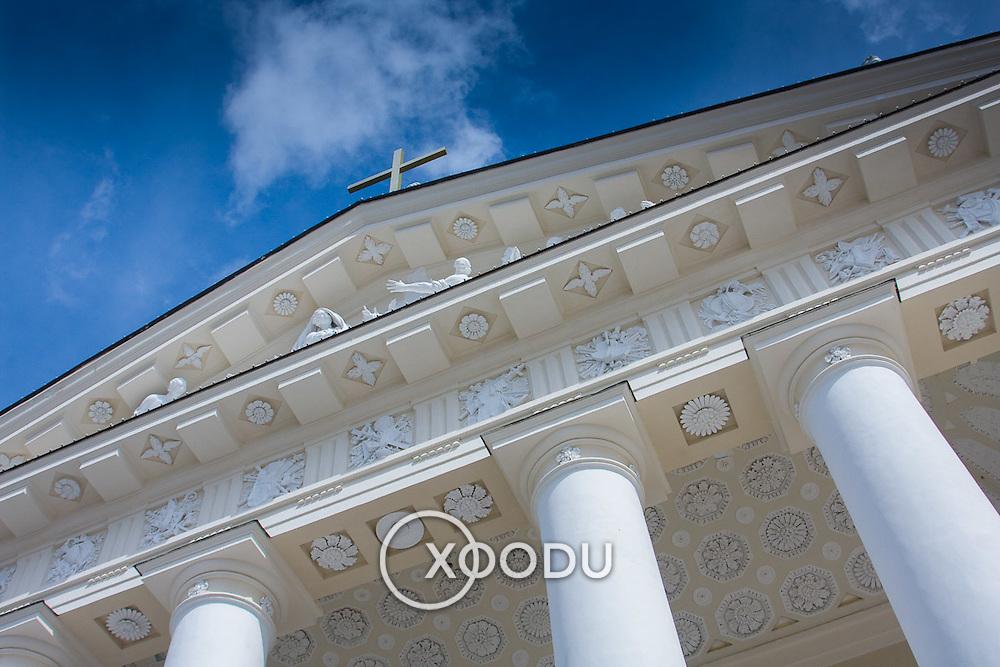 Vilnius Cathedral main facade pediment and columns (Vilnius, Lithuania - Aug. 2008) (Image ID: 080809-1517231a)