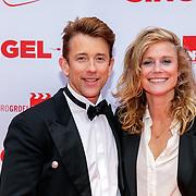 NLD/Amsterdam/20190506 - Premiere Singel 39, Waldemar Torenstra en partner Sophie Hilbrand