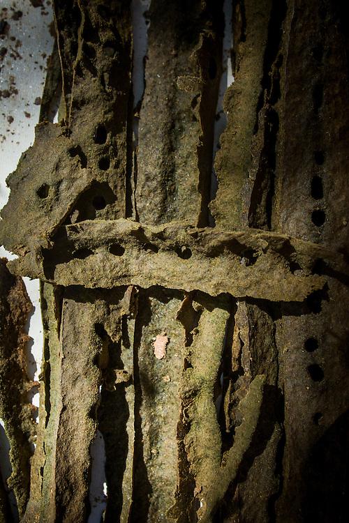 Bambui_MG, Brasil.<br /> <br /> Producao de propolis em Bambui, Minas Gerais.<br /> <br /> Propolis production in Bambui, Minas Gerais.<br /> <br /> Foto: ALEXANDRE MOTA / NITRO