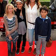 NLD/Utrecht/20080928 - Premiere Radeloos, Quinty Trustfull - van den Broek en kinderen