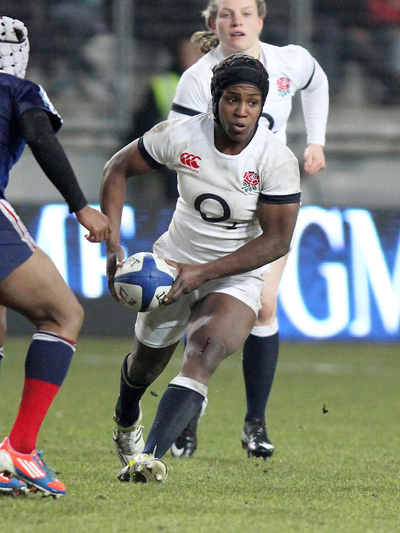 Maggie Alphonsi in action. France Women v England Women in the Six Nations 2014 at Stade des Alpes, Grenoble, France on Saturday 1st February 2014, kick off 2055