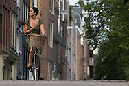 Europe : Street scenes around Amsterdam in the Netherlands.<br /> Thursday 17 August 2006 Photograph Richard Robinson