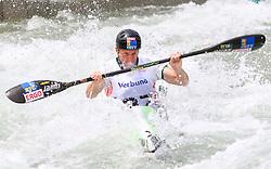 27.06.2015, Verbund Wasserarena, Wien, AUT, ICF, Kanu Wildwasser Weltmeisterschaft 2015, K1 men, im Bild Nejc Znidarcic (SLO) // during the final run in the men's K1 class of the ICF Wildwater Canoeing Sprint World Championships at the Verbund Wasserarena in Wien, Austria on 2015/06/27. EXPA Pictures © 2014, PhotoCredit: EXPA/ Sebastian Pucher