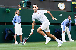 © Licensed to London News Pictures. 06/07/2018. London, UK. Roger F`adorer of Switzerland plays Jan-Lennard Struff of Germany in the men's singles 3nd round draw of the Wimbledon Tennis Championships 2018 on day 5 held at the All England Lawn Tennis and Croquet Club. Photo credit: Ray Tang/LNP