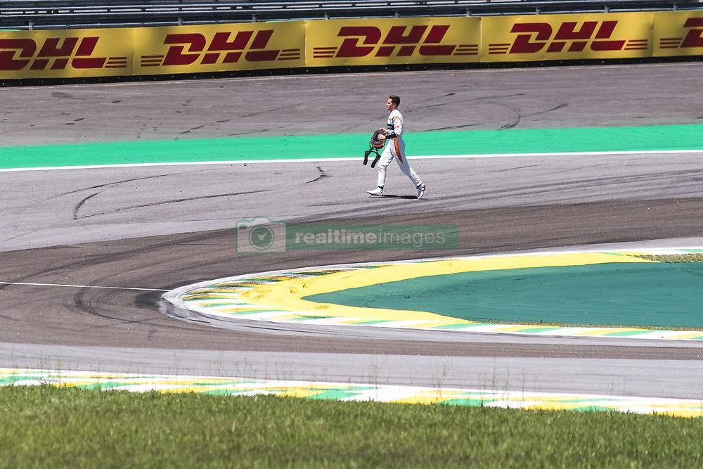 November 12, 2017 - Brazil - SAO PAULO, SP - 12.11.2017: GRANDE PRMIO DO BRASIL DE FORMULA 1 2017 - Stofel Vandoorne abandons the race of the Brazil F1 GP 2017 held at the Autodromo of Interlagos in Sao Paulo, SP. (Credit Image: © Fotoarena via ZUMA Press)