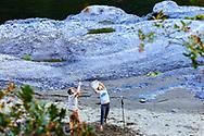 Great snag @taylorgvaughan #Riverlife #RiverGames #Camp #CampGames #Frisbee #newfriends #RogueRiver # Rogue #River #Float #Paddle #Oregon #traveloregon #OregonLife, #exploregon #OregonLove #PNW #RiverRat #IntoTheWater @watershed_drybags@rafacuna