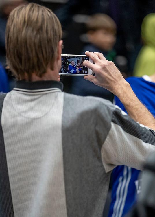 ÖSTERSUND, SVERIGE - 19 OKTOBER 2019 :<br /> Basketbloggens Hans Andersson fanns på plats under matchen i Basketligan mellan Jämtland Basket och Södertälje Kings på Östersunds Sporthall den 19 oktober i Östersund <br /> <br /> (Foto: Per Danielsson/Projekt.P)