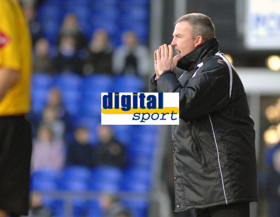 Photo: Ashley Pickering.<br />Ipswich Town v Swansea City. The FA Cup. 27/01/2007.<br />Swansea manager Kenny Jackett shouts his orders from the touchline