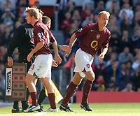 Photo: Henry Browne.<br /> Arsenal v Birmingham City. The Barclays Premiership.<br /> 02/10/2005.<br /> Dennis Bergkamp replaces Alexander Hleb of Arsenal.