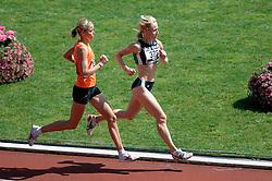 08-07-2006 ATLETIEK: NK BAAN: AMSTERDAM<br /> 5000 meter - Selma Borst en Anita Giusti-Looper          <br /> ©2006-WWW.FOTOHOOGENDOORN.NL