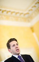 17.11.2015, Bildungsministerium, Wien, AUT, Bundesregierung, Ergebnispräsentation der Bildungsreformkommission, im Bild Staatssekretär für Wissenschaft, Forschung und Wirtschaft Harald Mahrer (ÖVP) // State Secretary for Science and Economy Harald Mahrer (OeVP) during press conference according to education reformation at Ministry of Education in Vienna, Austria on 2015/11/17, EXPA Pictures © 2015, PhotoCredit: EXPA/ Michael Gruber