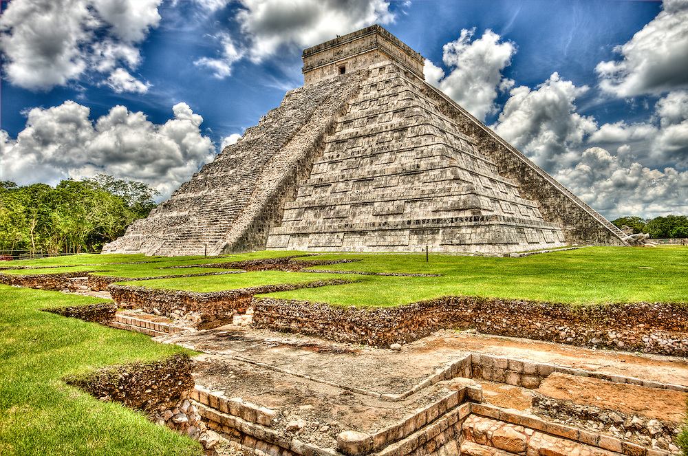 Chichen Itza, El Castillo (Kukulcan), Maya historical site, Yucatan state, Mexico