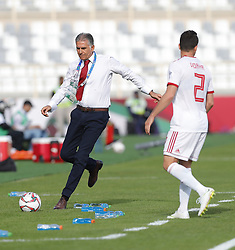 2019?1?12?.   ??????1???——D?????????.    1?12???????????·????????????.    ??????????????2019???????D?????????2?0??????.    ????????..(SP)UAE-AL AIN-SOCCER-AFC ASIAN CUP 2019-GROUP D-VNM VS IRN..(190112) -- ABU DHABI, Jan. 12, 2019  Iran's head coach Carlos Queiroz of Portugal kicks a ball by the side during the 2019 AFC Asian Cup group D match between Vietnam and Iran at the Al Nahyan Stadium in Abu Dhabi, the United Arab Emirates, Jan. 12, 2019. Iran won the match by 2-0. (Credit Image: © Xinhua via ZUMA Wire)