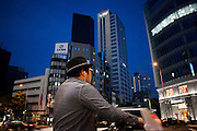 TOKYO, JAPAN, 8 OCTOBER - - Man with black hat  in the street  of Aoyama - October 2012 [FR] un homme au chapeau noir sur l'avenue Aoyama
