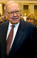 Omaha, Neb 5/6/06 Warren Buffet walks the floor at the Berkshire Hathaway annual meeting in the Qwest Center Omaha Saturday Morning..(Chris Machian/Prairie Pixel Group)