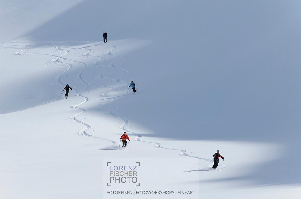 Impressionen einer Skitourenwoche im Gebiet der Rotondo-Hütte. Abfahrt vom Cavanna-Pass ins Witenwasseren-Tal.