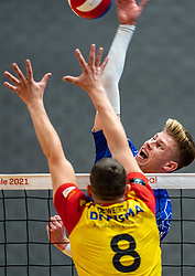 Bennie Tuinstra of Lycurgus, Freek de Weijer of Dynamo in action during the cupfinal between Amysoft  Lycurgus vs. Draisma Dynamo on April 18, 2021 in sports hall Alfa College in Groningen