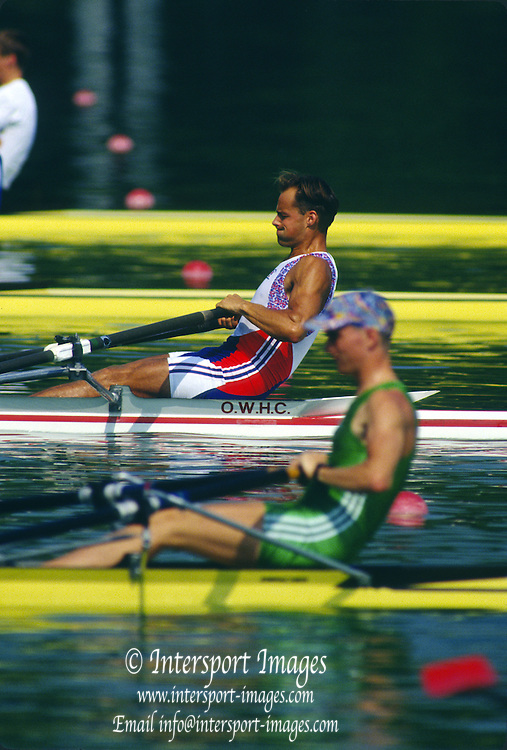 Banyoles, SPAIN, GBR M1X Wade HALL-CRAGGS competing in the 1992 Olympic Regatta, Lake Banyoles, Barcelona, SPAIN  [Mandatory Credit: Peter Spurrier: Intersport Images]